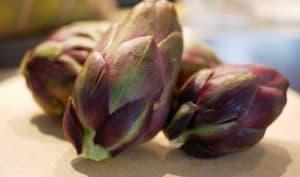 Artichauts violets et noix de Saint-Jacques