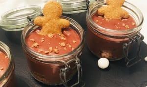 Mousse chocolat sur shortbread et poires pochées à la cannelle