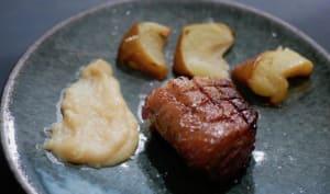 Filet de canette grillé, pomme et crème de coing