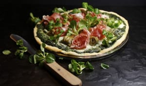 Pizza verte coeurs d'artichaut et jambon de Parme
