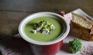 Soupe crémeuse aux brocolis et au fromage Saint Agur