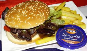 Hamburger au bœuf, mozzarella et sauce béarnaise