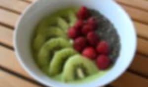 Smoothie bowl épinards, kiwi, banane