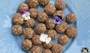 Energy balls cacao chia coco