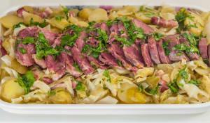 Langue de porc au chou pointu et pommes de terre nouvelles