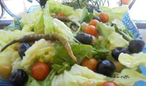 Salade verte aux tomates cerises