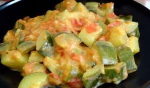 Poêlée de courgettes et tomates à la crème au curry