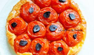 Tatin de tomates et ail noir, végétarien