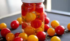 Tomates cerise au vinaigre.