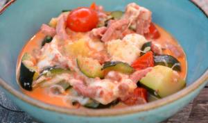 Courgettes et tomates cerises au bacon et à la mozzarella