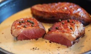 Magret de canard sauce au poivre vert