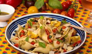 Salade de conchiglionis au pesto et petits légumes d'été