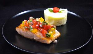 Pavé de saumon et sa sauce vierge