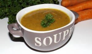 Soupe aux carottes à l'ail et au persil
