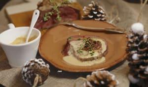 Filet de boeuf aux oignons sauce au foie gras