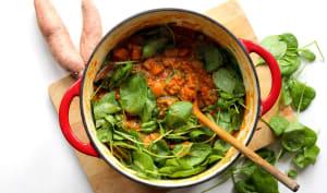 Curry de patates douces, lentilles et épinards