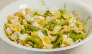Salade d'endives aux kiwis et emmental