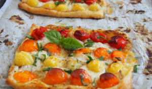 Tarte fine à la tomate et à la moutarde