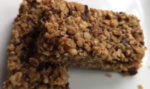 Barre de céréales aux cacahuètes et grués de cacao