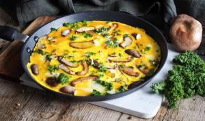 Omelette plate aux shiitakés et graines de sarrasin