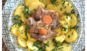 Salade de pommes de terre et harengs fumés