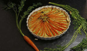 Tarte aux carottes et pesto de fanes