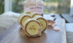Crêpes roulées façon maki à la pâte à tartiner aux biscuits roses