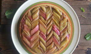 Tarte rhubarbe / framboises, crème d'amande