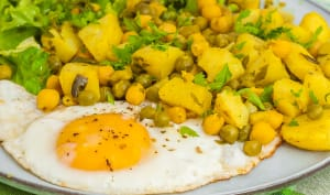 Curry de pommes de terre aux petits pois