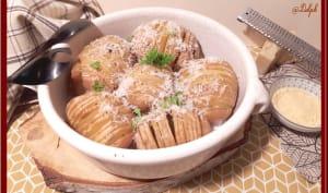 Pommes de terre hasselback, sauce au curry