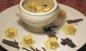 Dés de Foie Gras aux Éclats de Chocolat Noir et Velouté de Lentilles avec ses Cubes de Sauternes Gélifiés