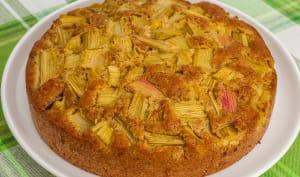 Gâteau danois à la rhubarbe et à la pâte d'amandes
