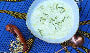 Soupe froide: yaourt, concombre, tisane