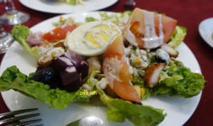 Salade festive complète sauce roquefort