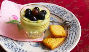 Crème dessert au fromage blanc safran et raisins noirs