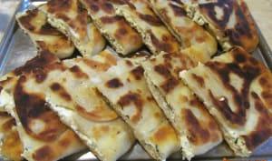 Galettes à la poêle au fromage frais et à la ciboulette