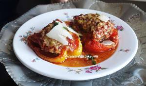 Poivrons rouges farcis au veau parmesan et coulis de tomate