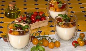Méli mélo de tomates, sur crémeux à la mozzarella