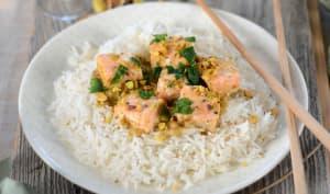 Curry de saumon au lait de coco et pistache