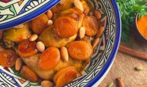 Tajine sucré salé au poulet, abricots caramélisés, amandes et fleur d'oranger