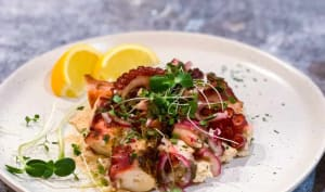 Salade de pieuvre grillée