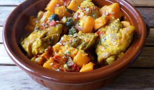 Tajine de poulet aux patates douces, olives noires et citron confit