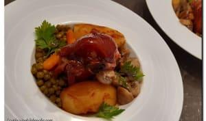 Jarret de porc cuit en deux façons et ses petits légumes