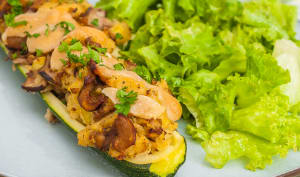 Courgettes farcies à la polenta et aux cèpes