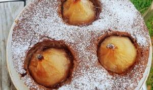 Gâteau aux épices de Noël et aux poires entières