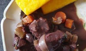 Civet de biche au vin rouge