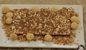 Tablette chocolat caramel aux noix de macadamia et praliné