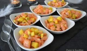 Coupelles de tartare de saumon à la mangue et aux fruits de la passion