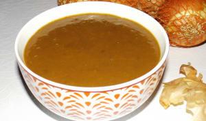 Soupe aux pelures d'oignon