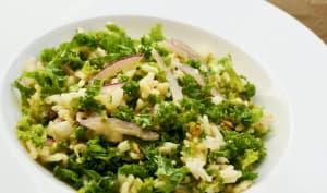 Salade de kale riz pomme et oignon rouge
